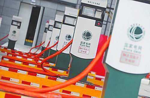 修订的电动汽车充电接口及通信协议5项国家标准,有望在充电桩兼容方面